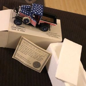 1931 Ford Model A Pick Up Truck W/Flag Model!